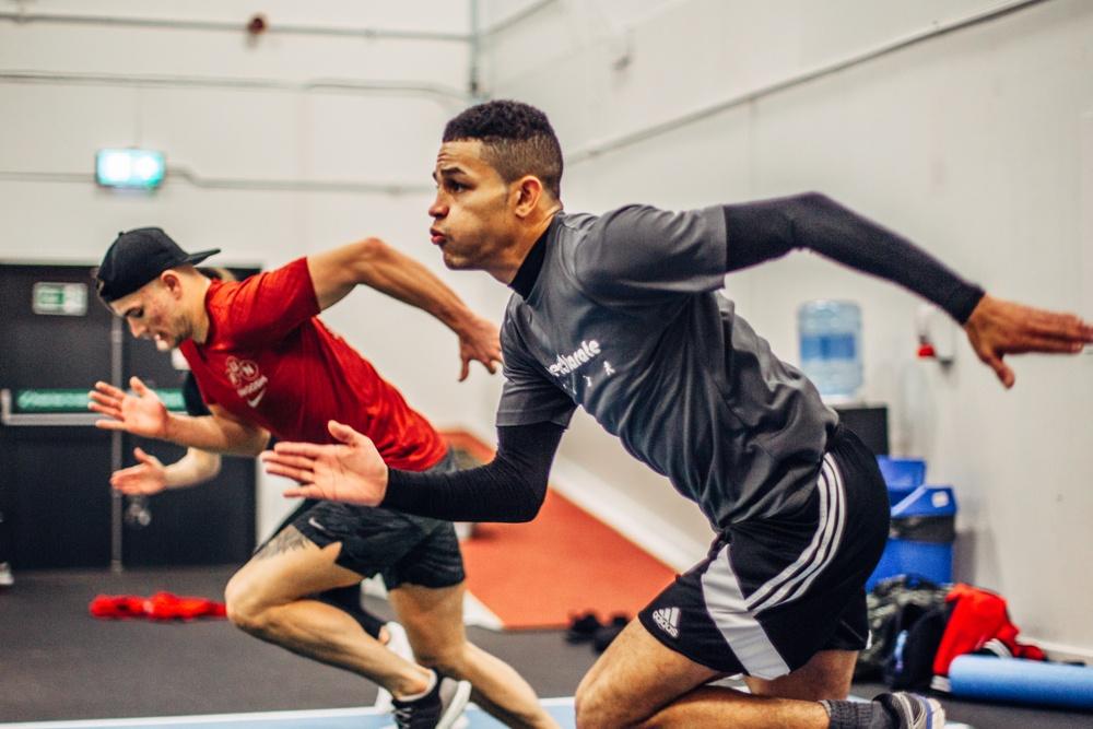 Jordan Thomas running